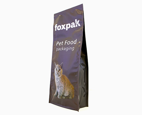 Pet food packaging style